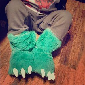 Other - Dinosaur slippers